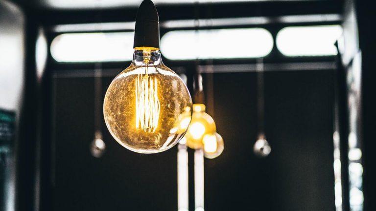 souscrire contrat electricite ampoule